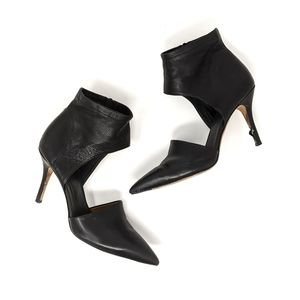 Vince Black Ankle Cuff Pointed Toe Heel Pumps sz 9
